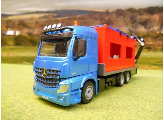 SIKU Грузовик Mercedes-Benz Arocs со строительным контейнером 3556, фото , изображение 2
